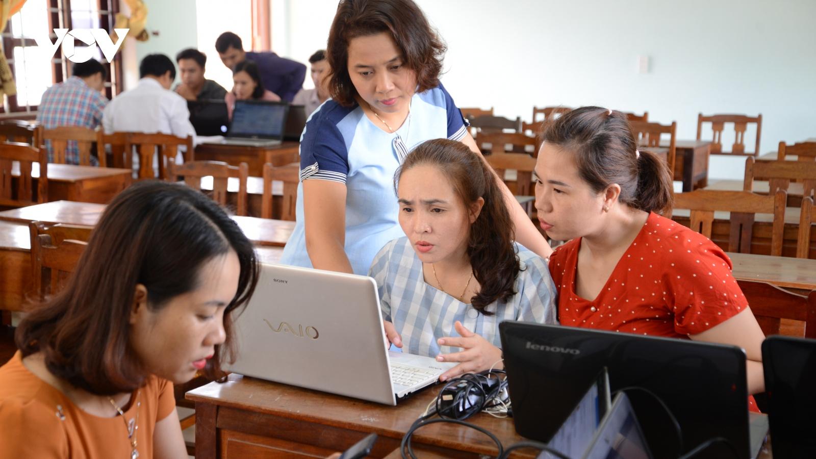 """Những lớp học """"không biên giới"""" của giáo viên trước khi bước vào Chương trình GDPT mới"""