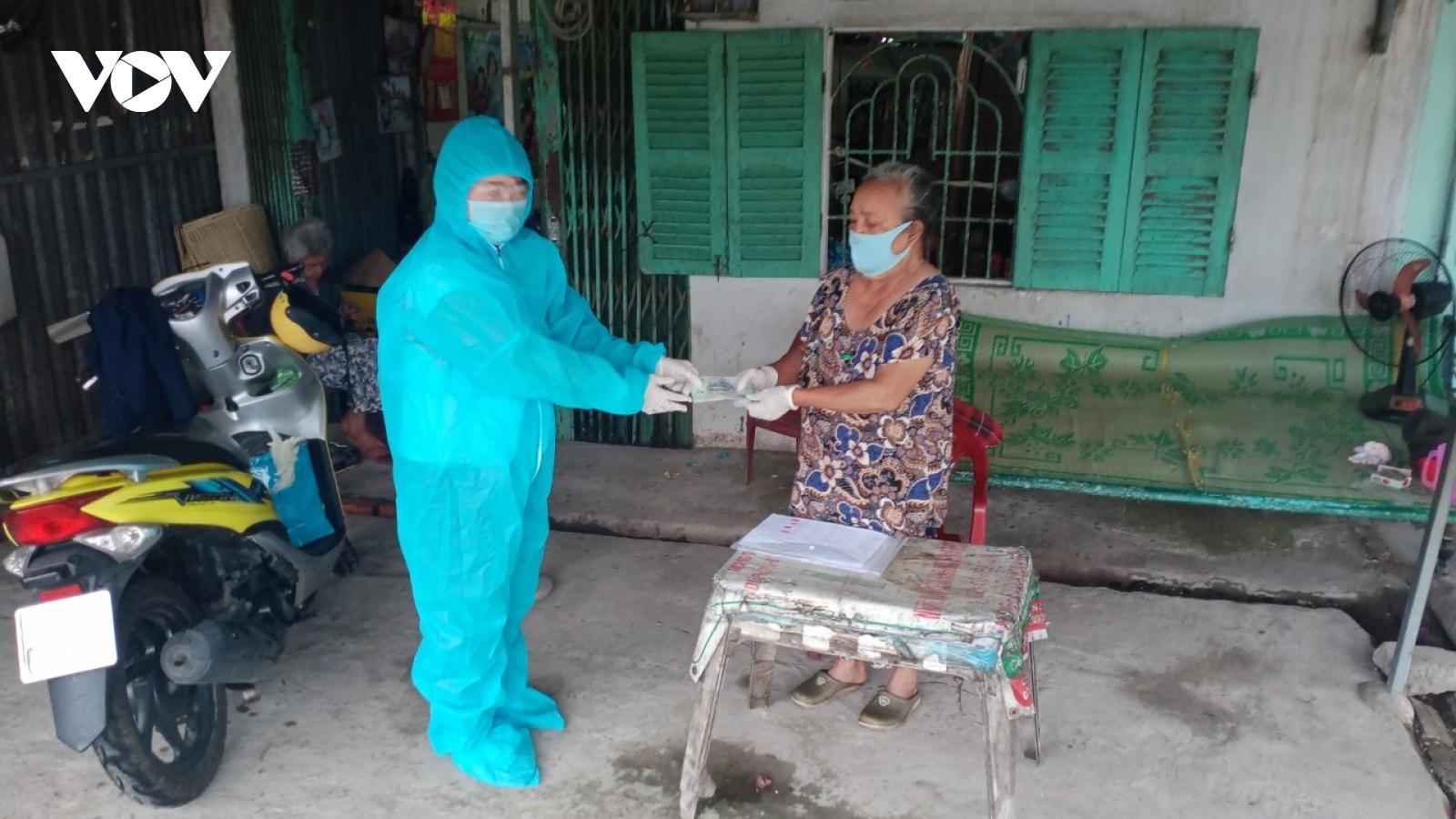 Hậu Giang trao tặng hàng trăm phần quà cho các các nạn nhân chất độc da cam/dioxin