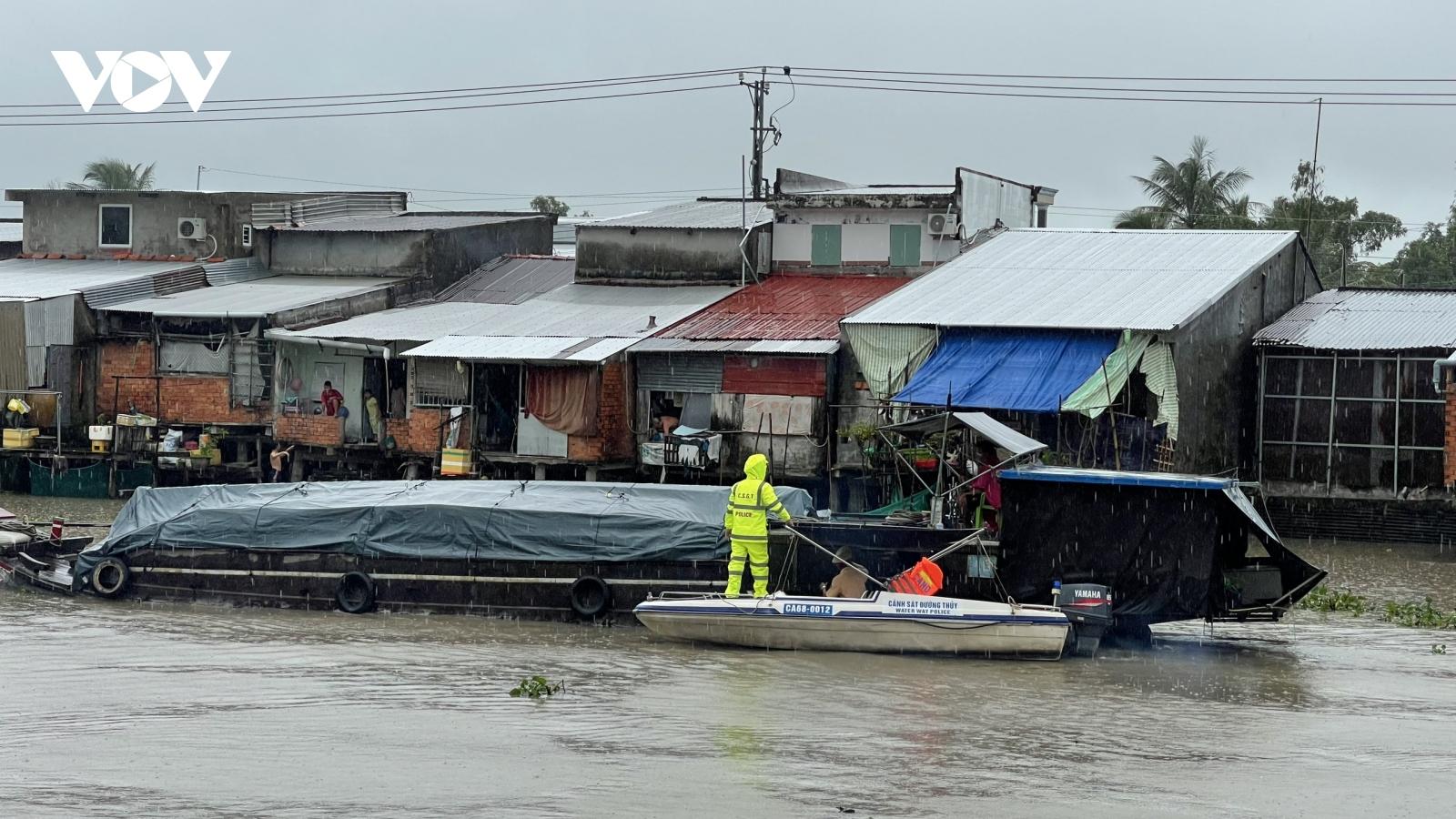 Kiên Giang lập nhiều chốt, kiểm soát chặt tuyến giao thông thủy phòng chống dịch
