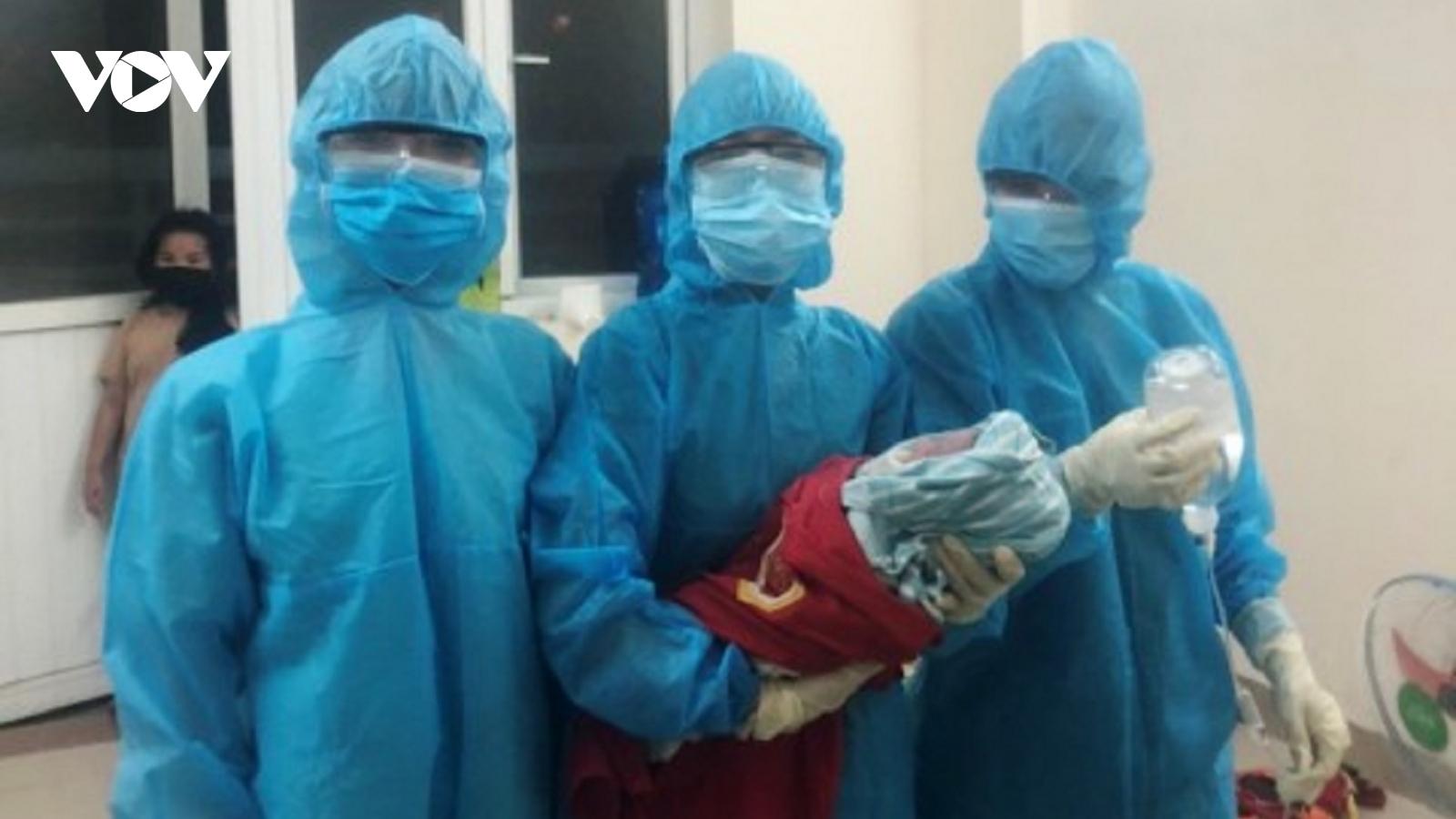 Một sản phụ ở Thừa Thiên Huếhạ sinh bé gái 3,2kg trong khu cách ly