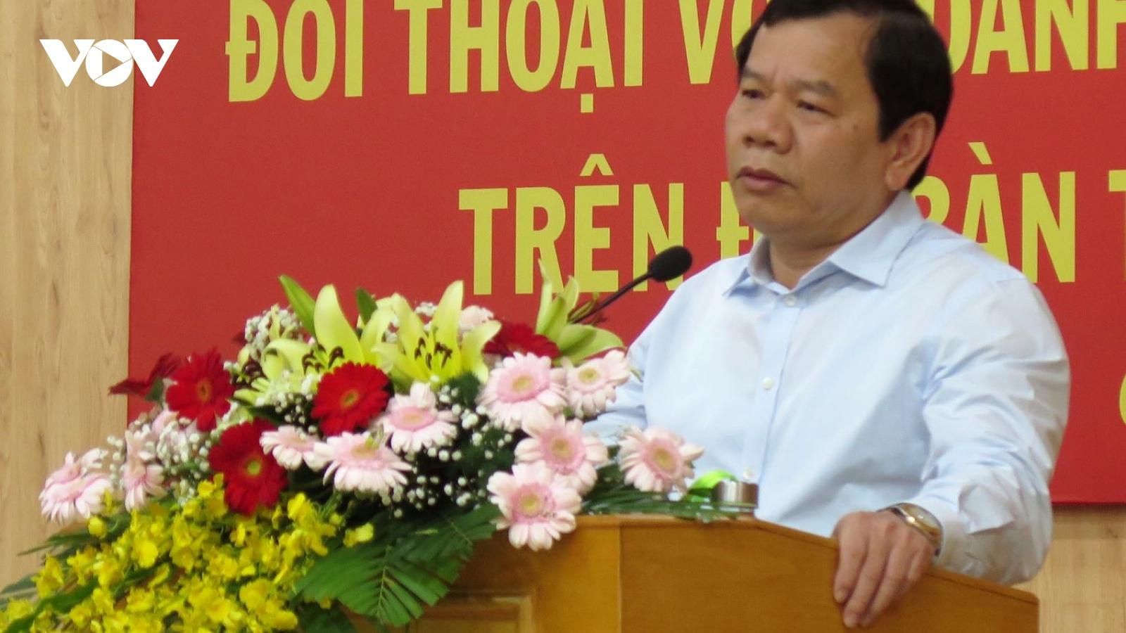Chủ tịch tỉnh Quảng Ngãi phê bình hàng loạt lãnh đạo liên quan đến quản lý đất đai