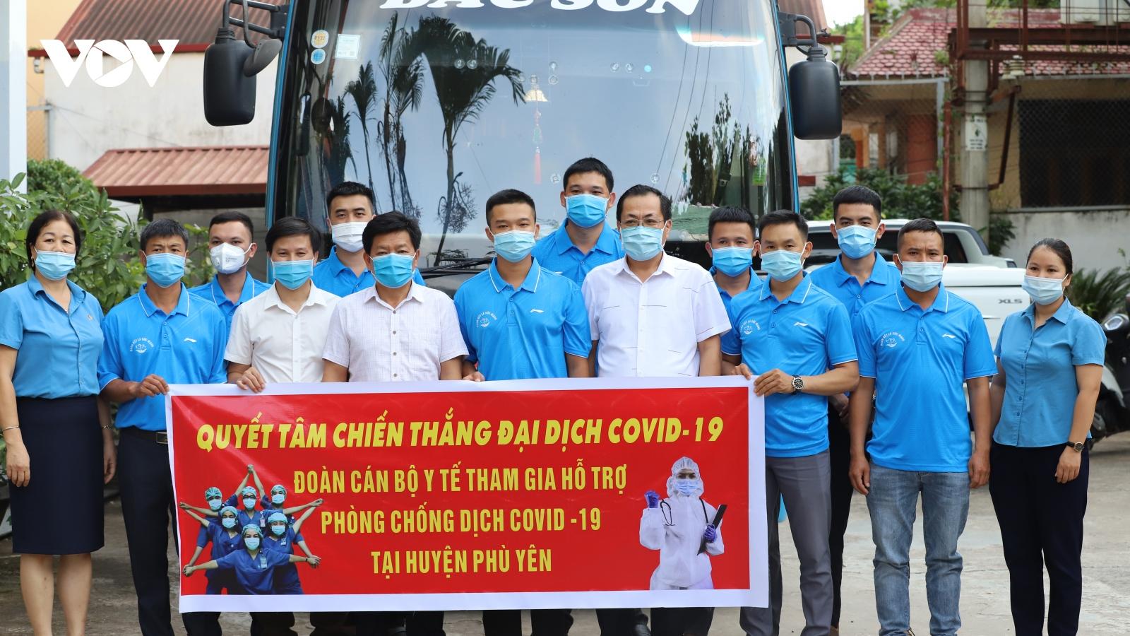Sơn La tăng cường 35 cán bộ, nhân viên y tế hỗ trợ huyện có dịch Covid-19