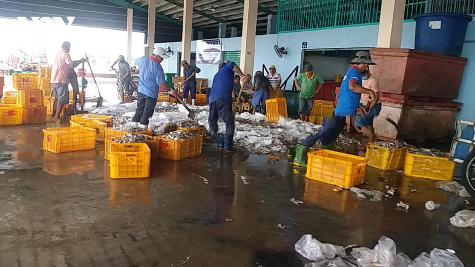 Tiền Giang: Cảng cá Vàm Láng đảm bảo an toàn, thông suốt hàng hóa cho ngư dân