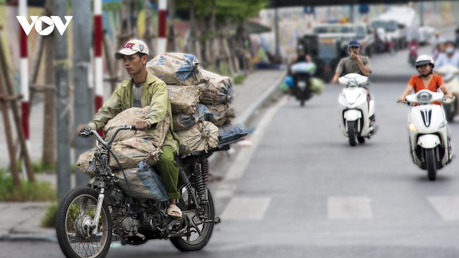 Các quận, huyện phải vào cuộc quyết liệt để kiểm soát khí thải xe máy ở Hà Nội