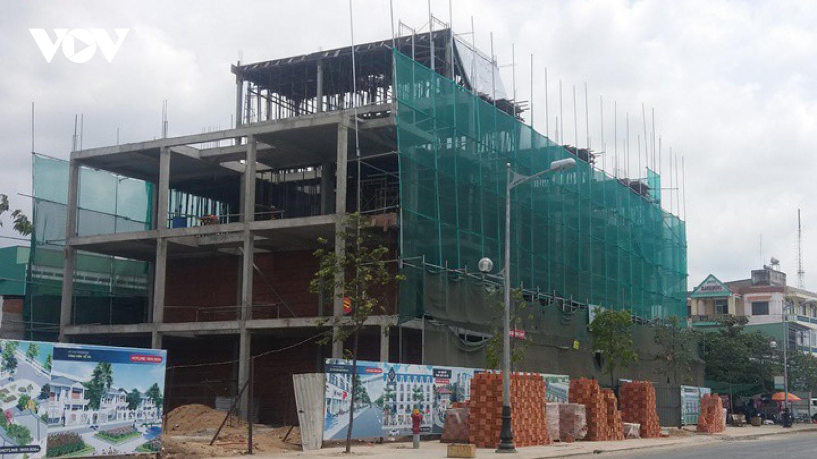 Công trình xây dựng nào được phép thi công khi giãn cách xã hội?