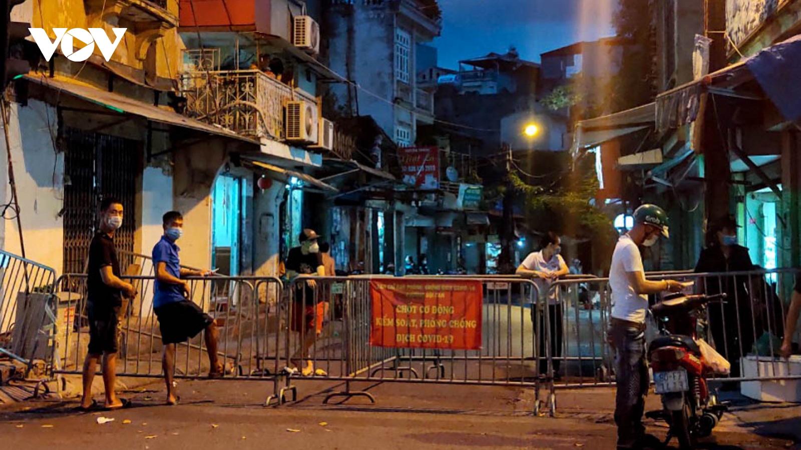 Hà Nội xét nghiệm 7.000 người liên quan ca dương tính tại chợ Ngọc Hà