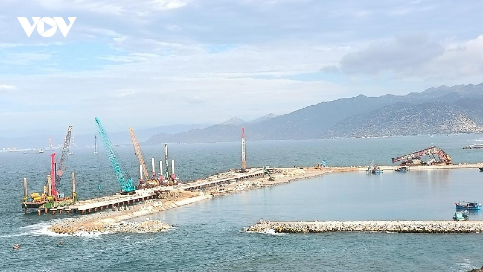 Ninh Thuận kiến nghị thay thế 4.600MW điện hạt nhân bằng điện khí LNG