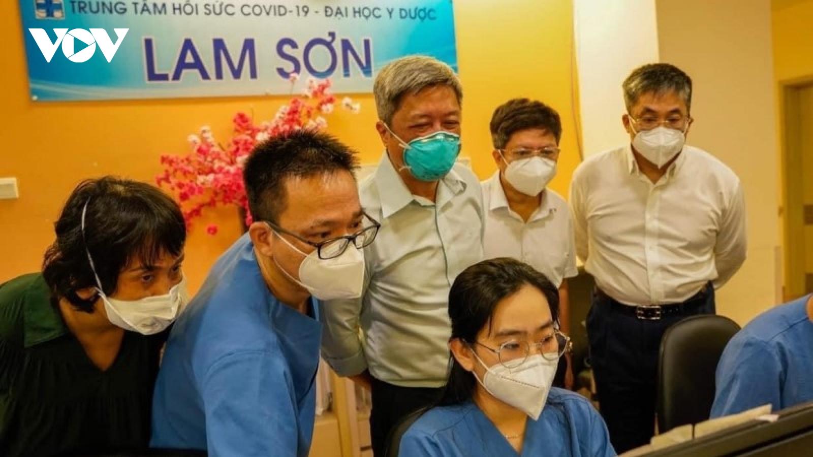 Thứ trưởng Nguyễn Trường Sơn: Ngành y tế vẫn nặng gánh sau khi TP.HCM hết giãn cách