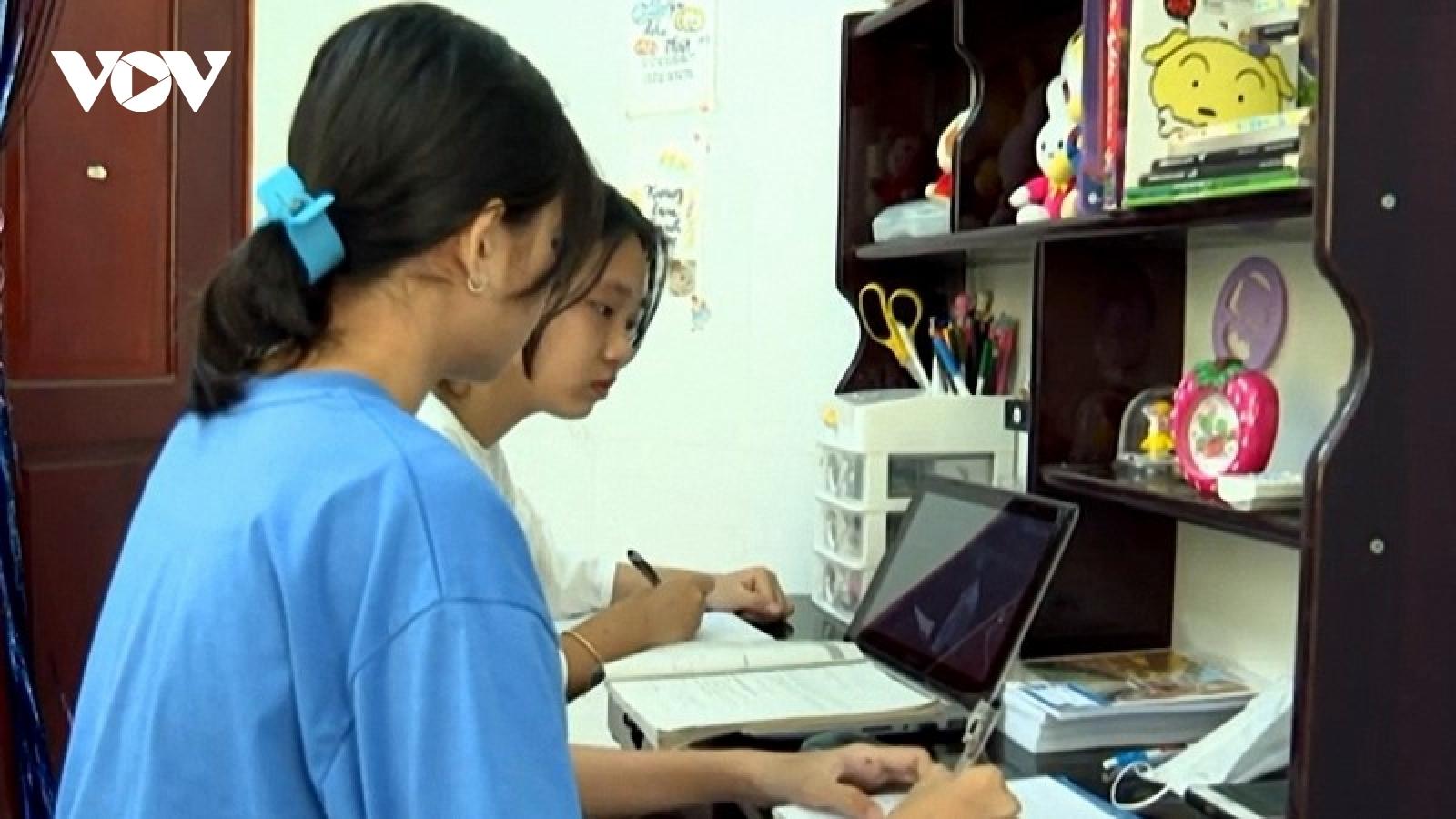 Học trực tuyến ở Trà Vinh gặp nhiều khó khăn vì học sinh thiếu thiết bị