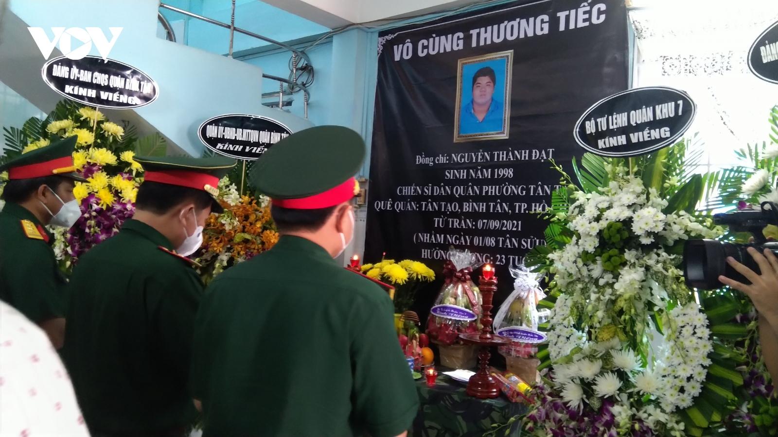 Một chiến sĩ dân quân hy sinh khi làm nhiệm vụ phòng chống Covid-19