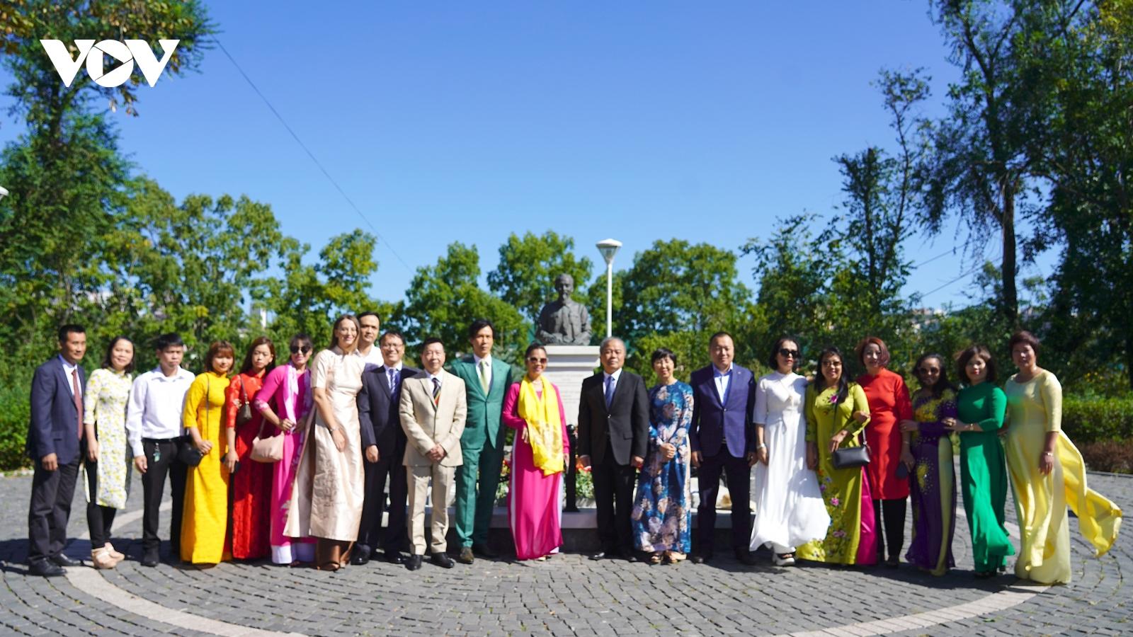 Tổng lãnh sự quán Việt Nam tại Vladivostok long trọng kỷ niệm Ngày Quốc khánh