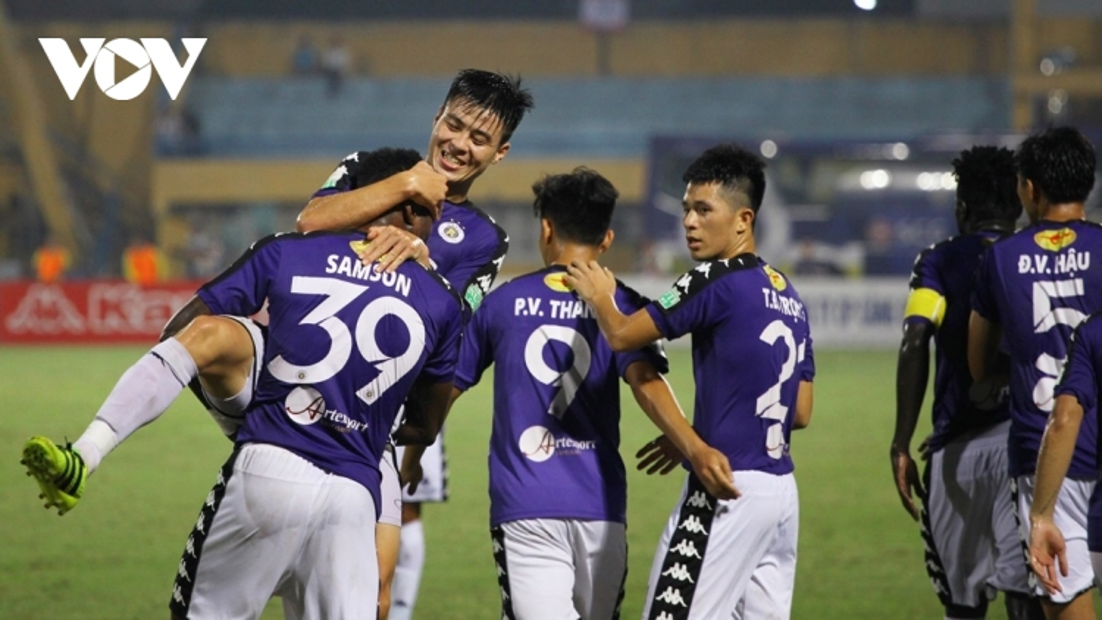 Ngày này năm xưa: Hà Nội FC lập kỷ lục vô địch sớm V-League