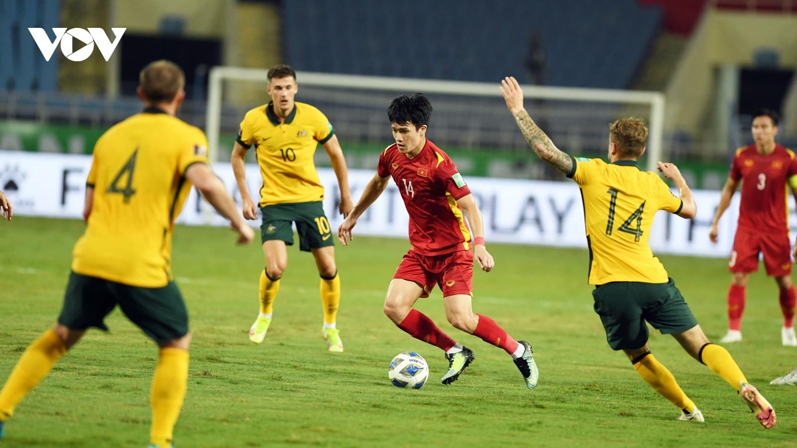 FIFA bất ngờ khen ngợi ĐT Việt Nam