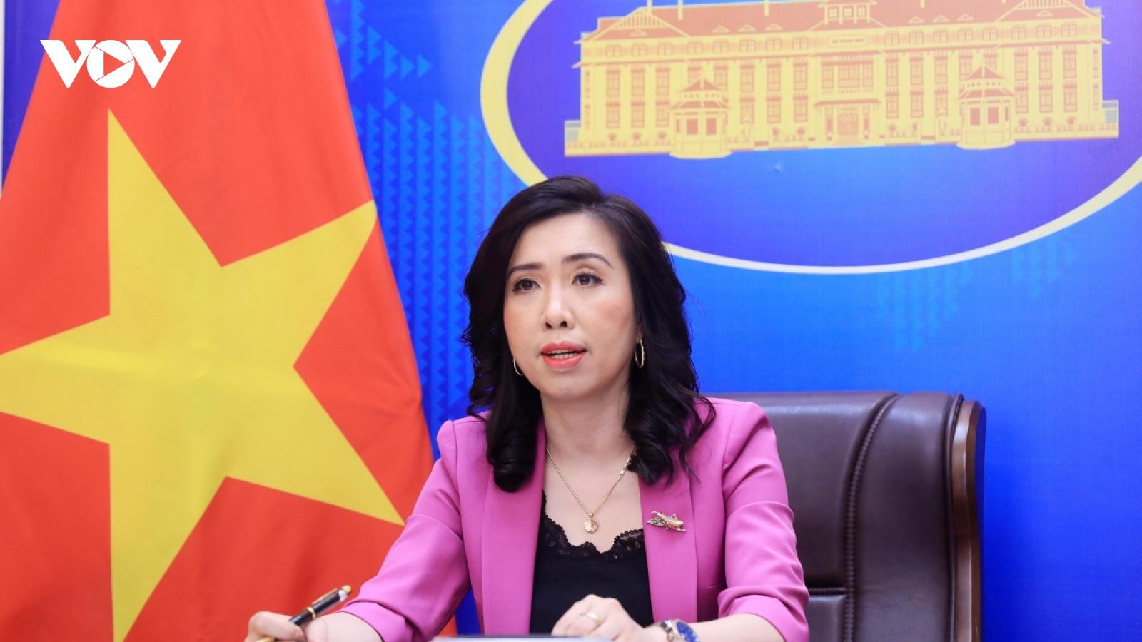 Vietnam responds to China sending transport aircraft to Truong Sa