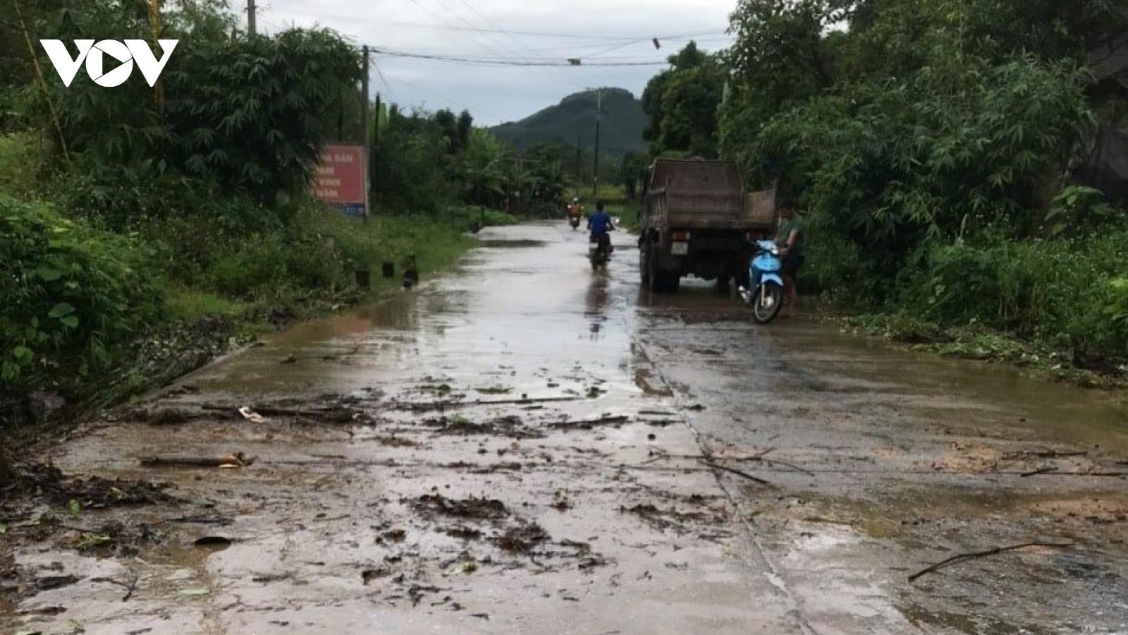 Một học sinh ở Yên Bái bị lũ cuốn trôi trên đường đi học