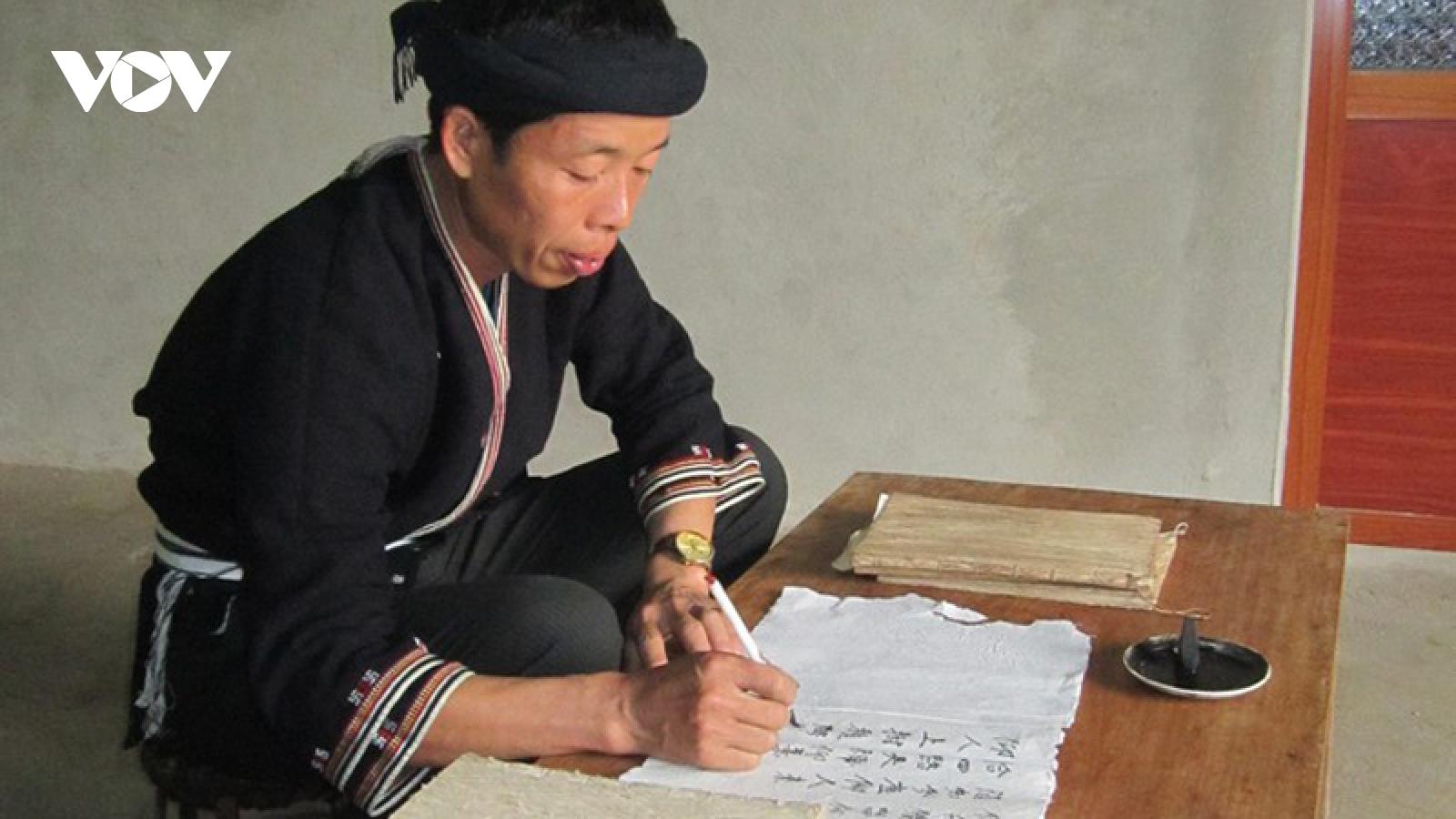 Emeritus artisan devotes to Dao traditional culture