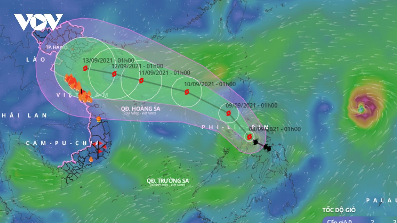 Bão Conson diễn biến khó lường do chịu tác động của cơn bão rất mạnh khác