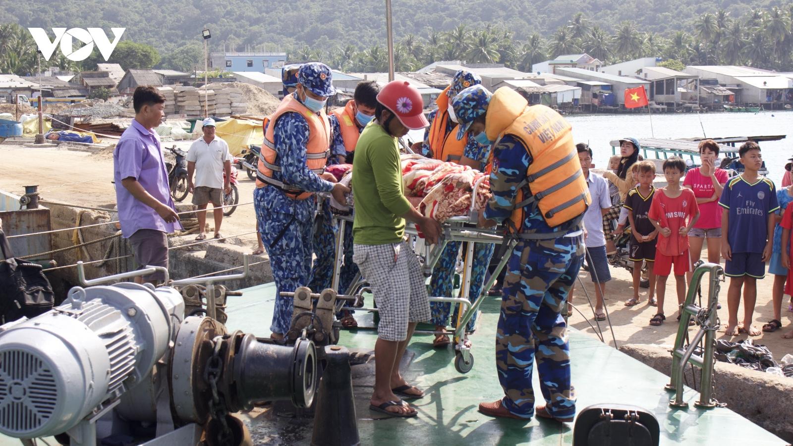 Vùng Cảnh sát biển 4 xây dựng thế trận lòng dân vùng biển đảo Tây Nam