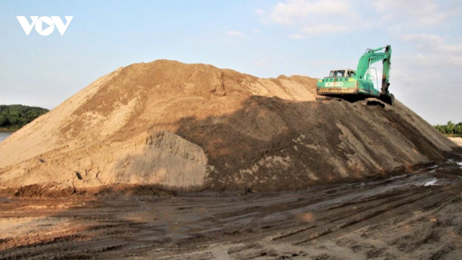 Hàng chục bãi tập kết cát, sỏi trái phép ở Yên Bái bị xử lý