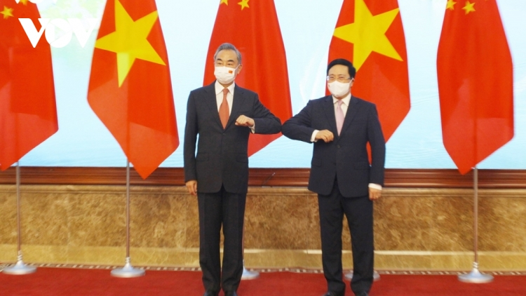 Chinese FM Wang Yi welcomed in Hanoi on three-day visit