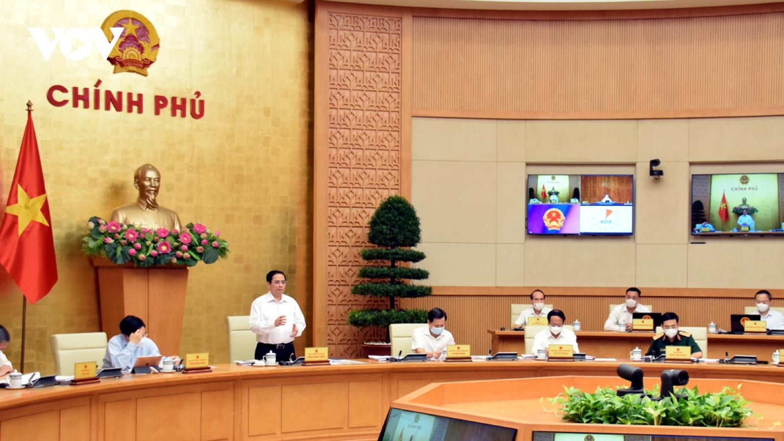 Thủ tướng: Nhanh chóng kiểm soát dịch, thúc đẩy phát triển kinh tế-xã hội