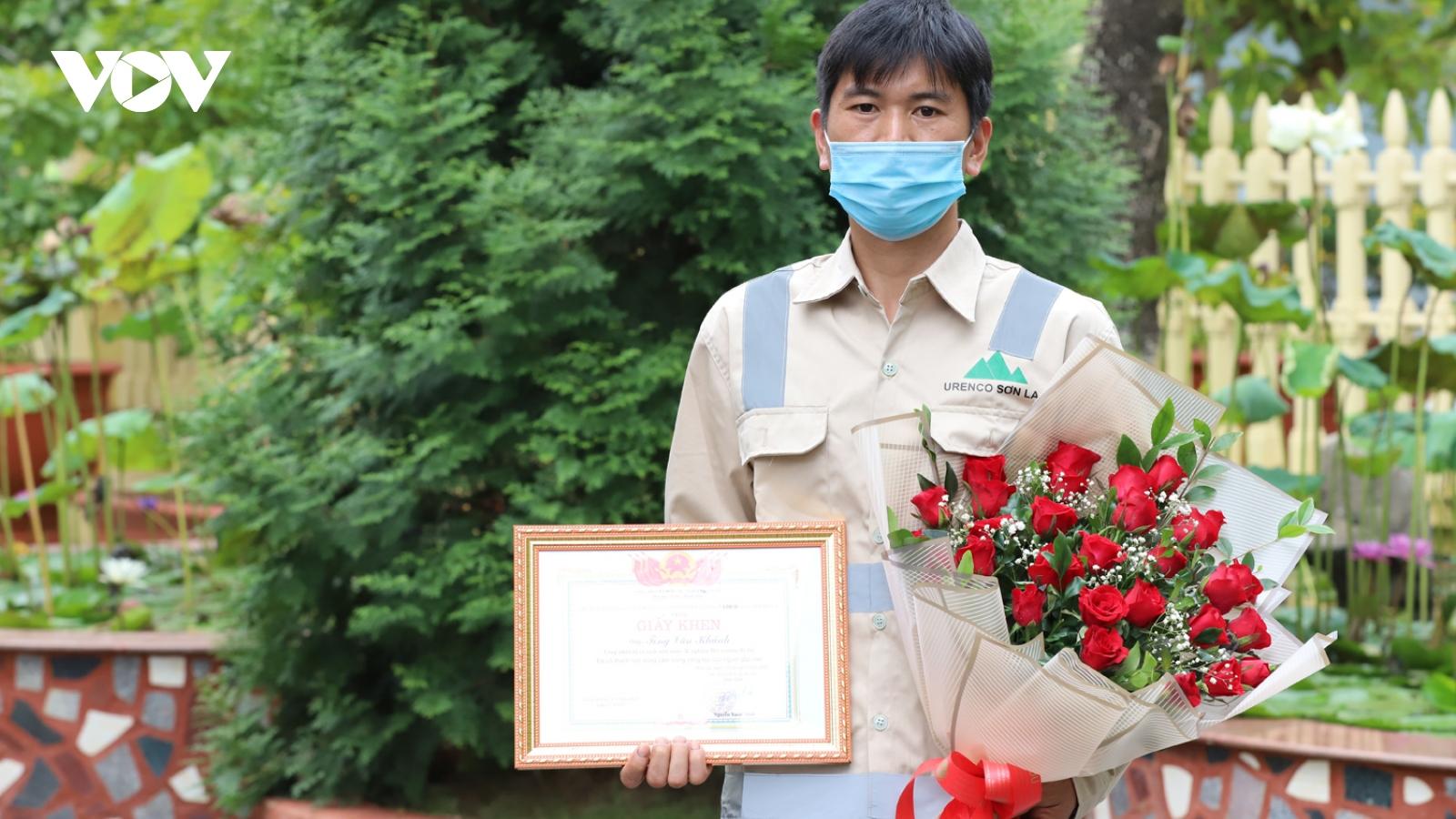 Khen thưởng đột xuất cá nhân, tập thể cứu người ngã xuống suối ở Sơn La