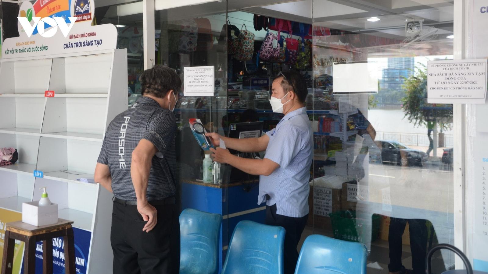 Nhiều nhà sách ở Đà Nẵng mở cửa trở lại, kịp giao đơn hàng đến học sinh