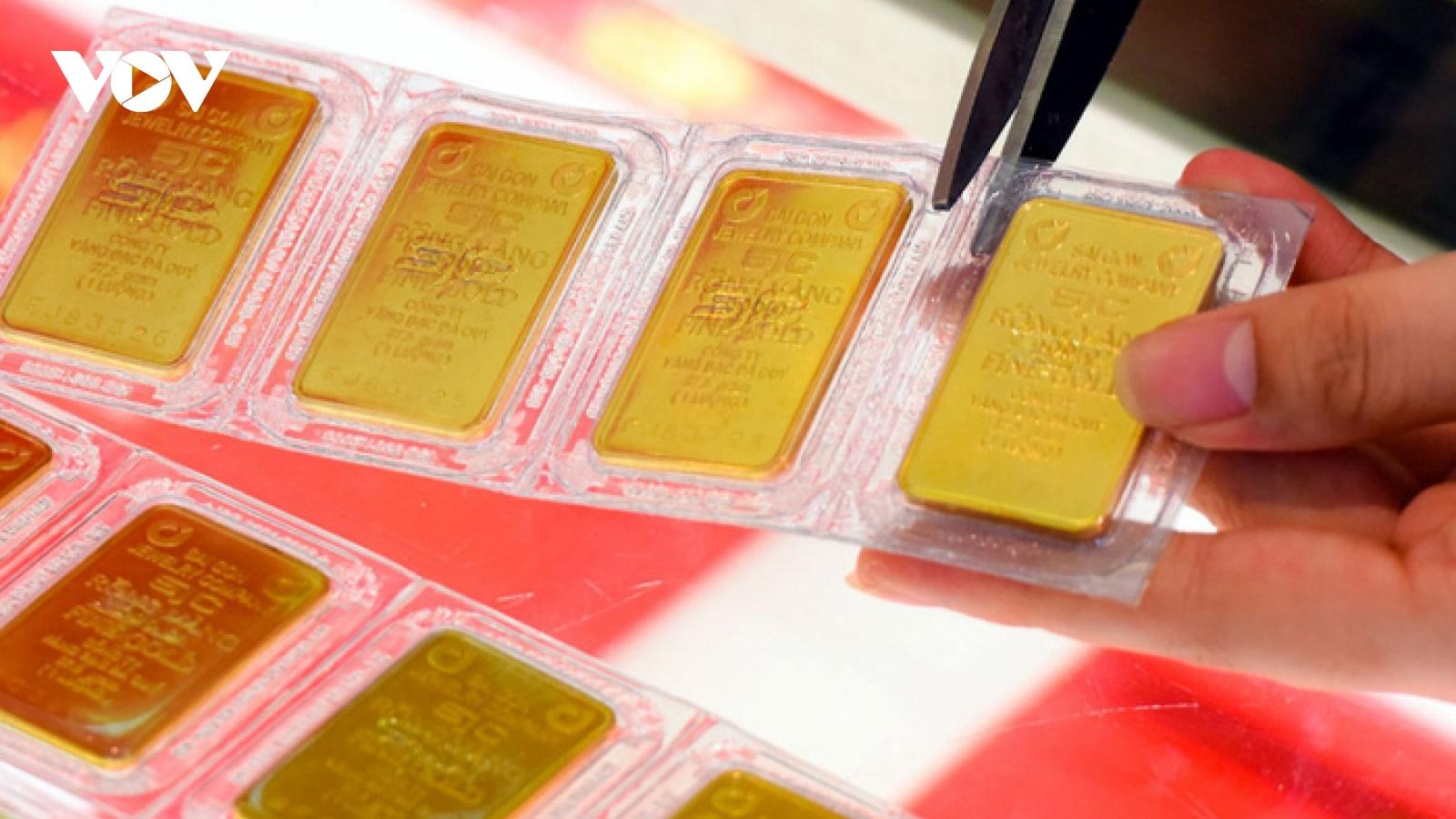 Giá vàng trong nước giảm 600.000 đồng/lượng