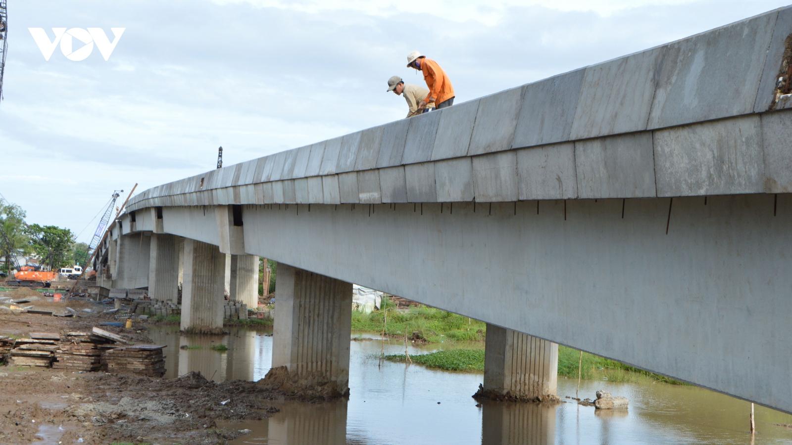 Hợp long cầu Mạc Đĩnh Chi kết nối TP Sóc Trăng với huyện Trần Đề