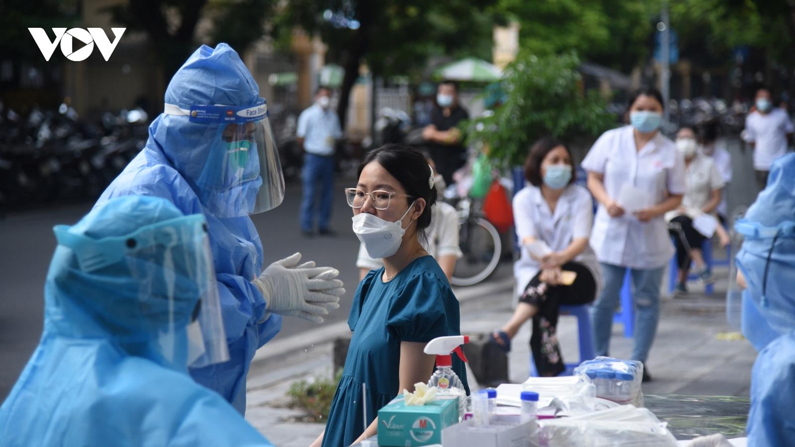 Hà Nội có thêm 1 ca mắc COVID-19 liên quan đến Bệnh viện Việt Đức