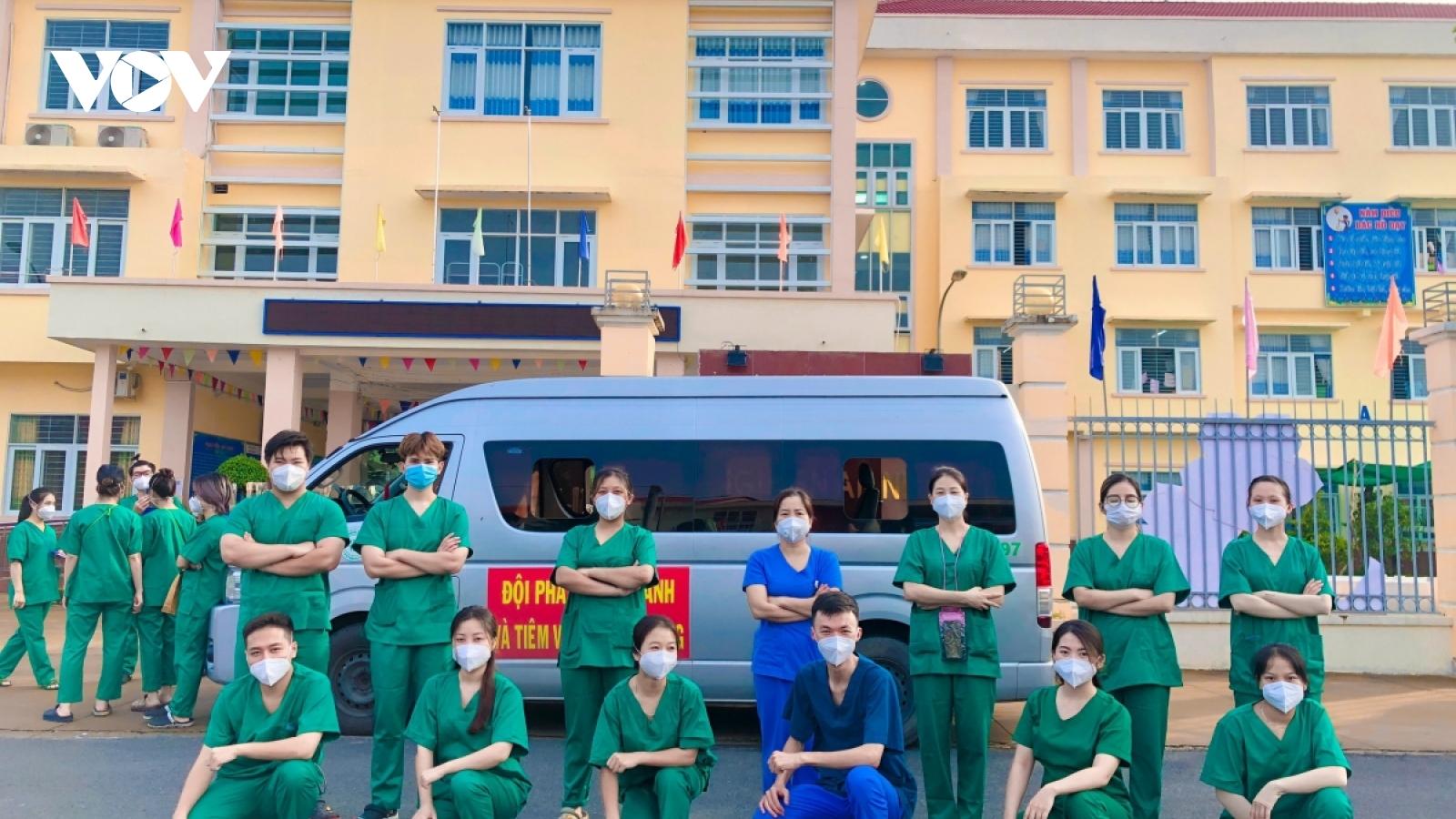 """Cuộc """"săn"""" F0 của những sinh viên y khoa"""