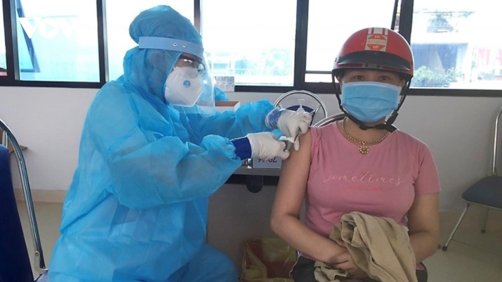 Quảng Ngãi, Khánh Hòađẩy nhanh tiêm vaccine cho người dân,mở cửa hoạt độngnhiềuchợ lớn