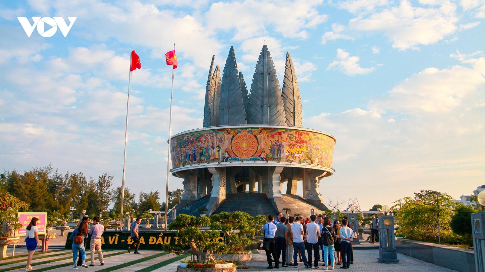 Các khu, điểm du lịch tại Móng Cái (Quảng Ninh) được phép đón khách nội tỉnh từ 21/9