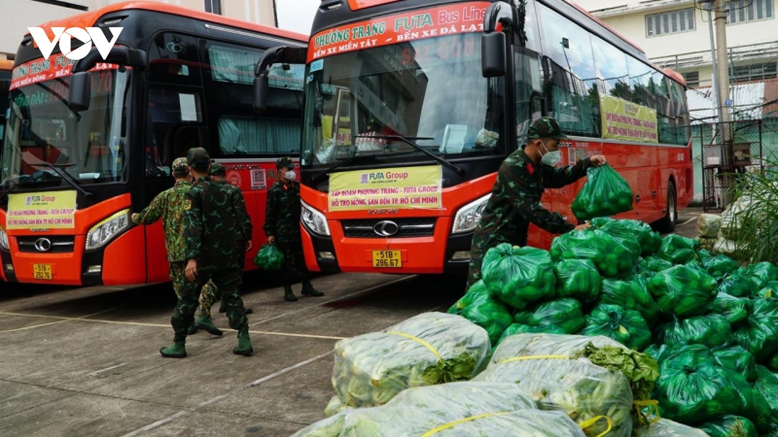 Lâm Đồng hoàn thành tặng 6.000 tấn nông sản cho TP.HCM