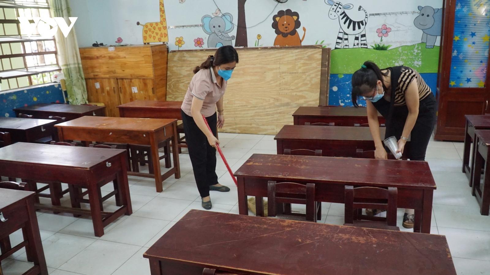 Đà Nẵng dọn vệ sinh các điểm cách ly y tế tại trường học, chuẩn bị đón học sinh