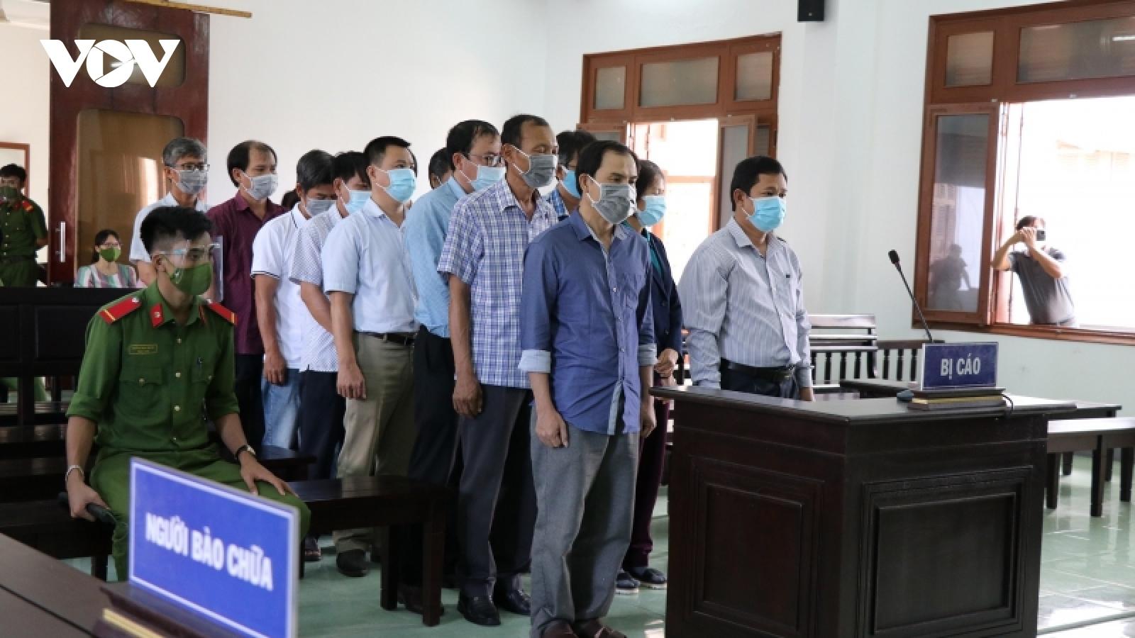18 bị cáo lĩnh án trong vụ lộ đề thi công chức tỉnh Phú Yên