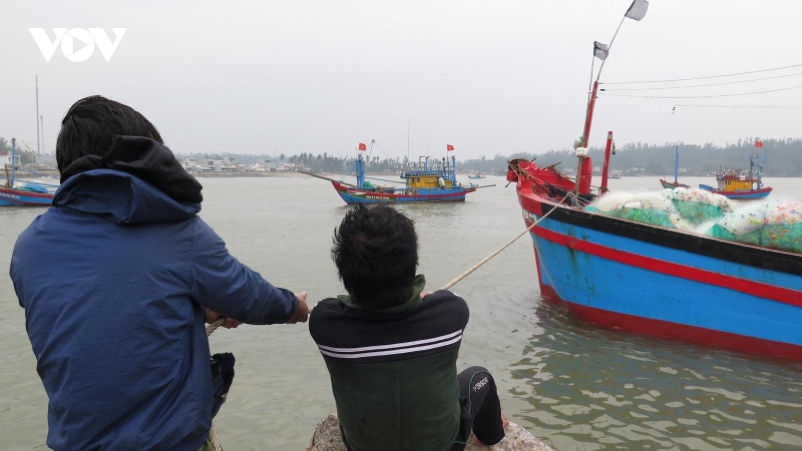 Quảng Ngãiđảm bảo an toàn các khu vực xung yếu trong bão số 6