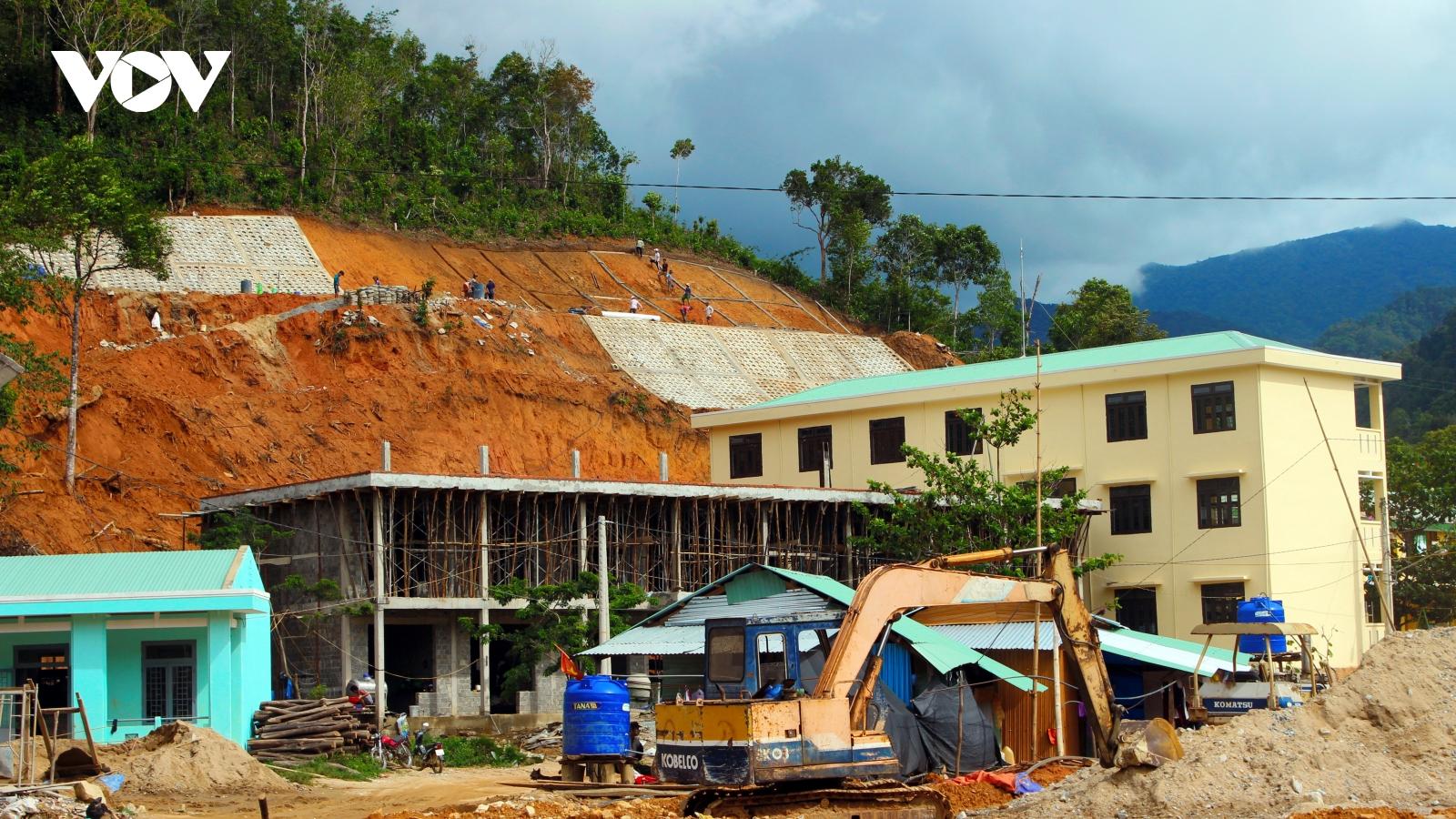 Năm học mới, nỗi lo cũ ở miền núi Quảng Nam