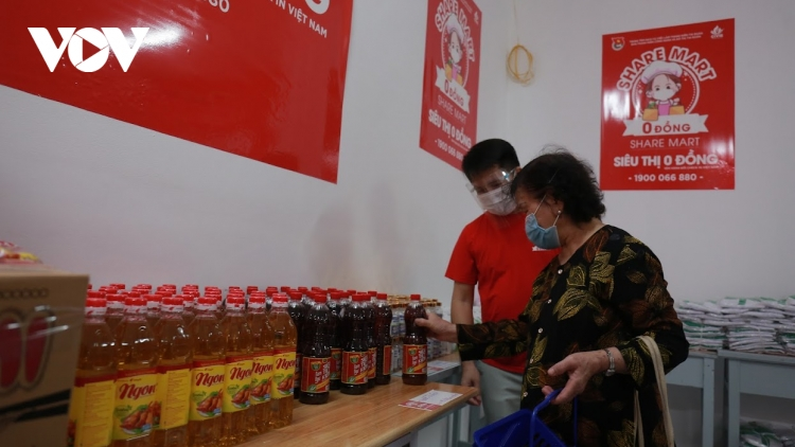 """""""Siêu thị 0 đồng-Share-Mart"""": Món quà từ thanh niên Thủ đô giúp người nghèo"""