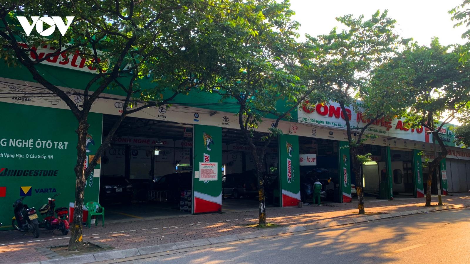 Sau giãn cách xã hội, nhiều gara ô tô tại Hà Nội thiếu thợ