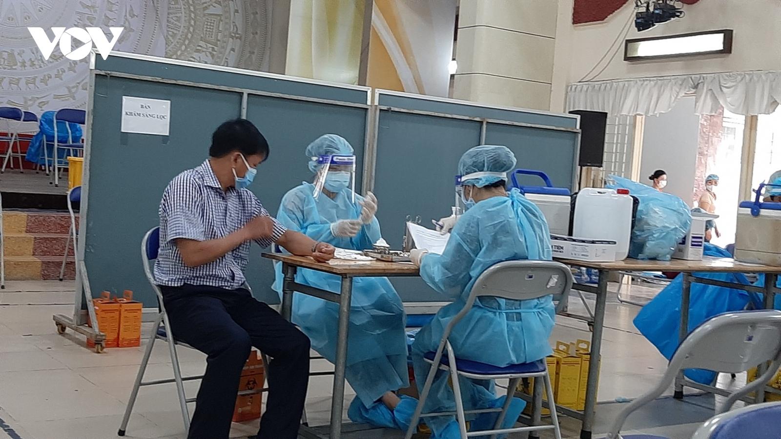 Tiền Giang kiến nghị Bộ Ytế cấp tiếp vaccine COVID-19