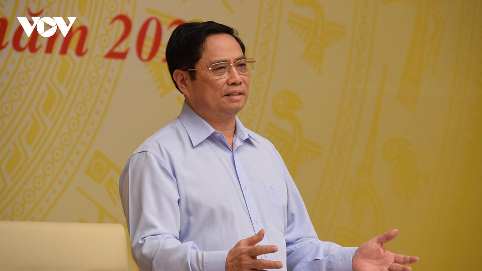 Thủ tướng: Xây dựng kịch bản chống dịch và phát triển KT-XH phải lắng nghe ý kiến DN