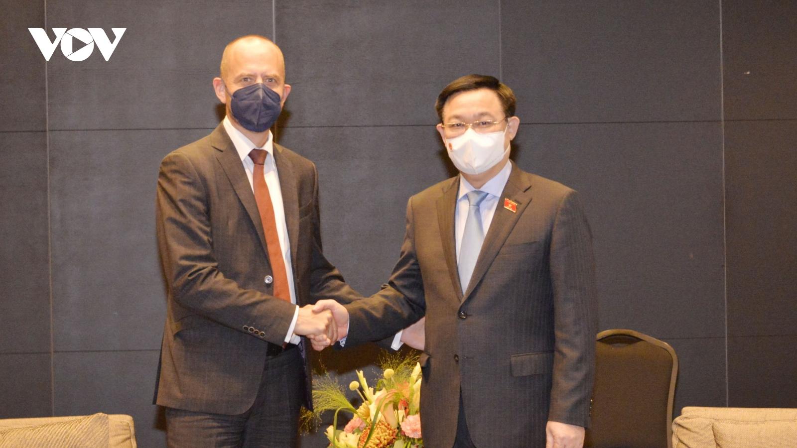 Chủ tịch Quốc hội Vương Đình Huệ tiếp lãnh đạo Tập đoàn Siemens Energy AG