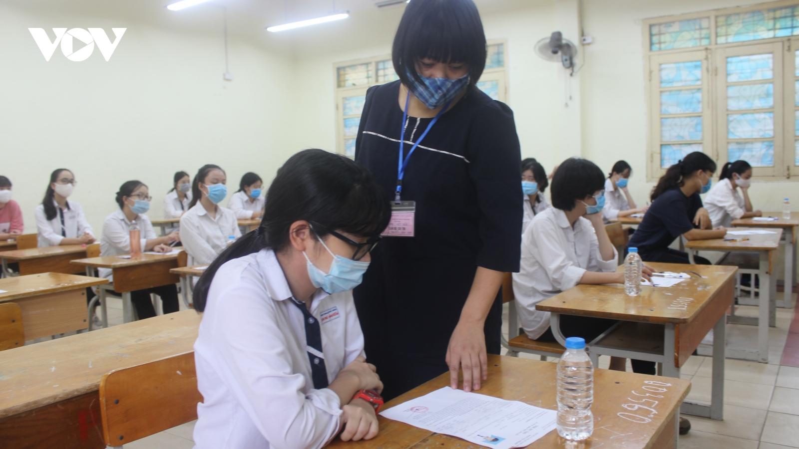 Hà Nội yêu cầu tuyệt đối không để xảy ra lạm thu đầu năm học