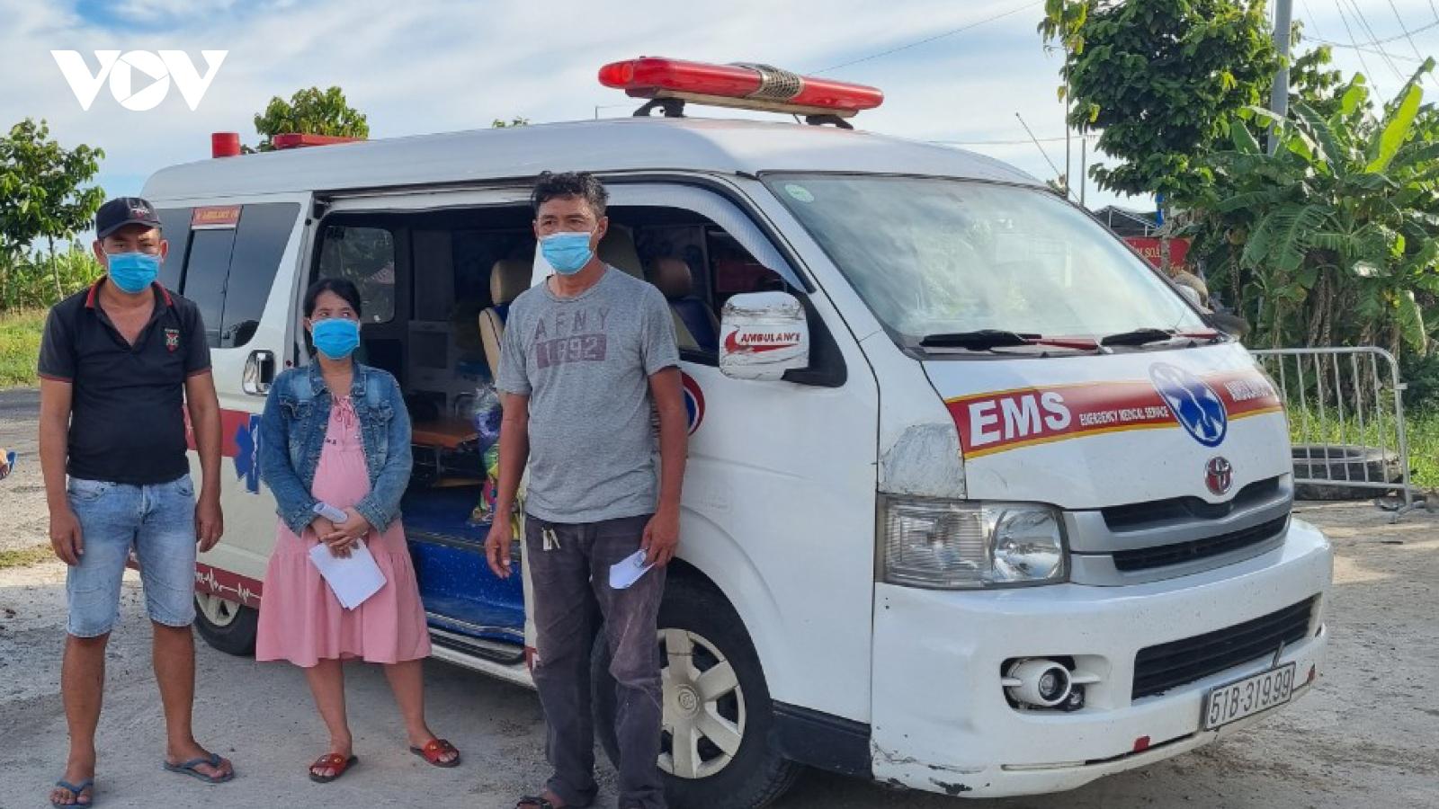 Kiên Giang phát hiện 2 xe cứu thương tư nhân chở người từ vùng dịch về quê