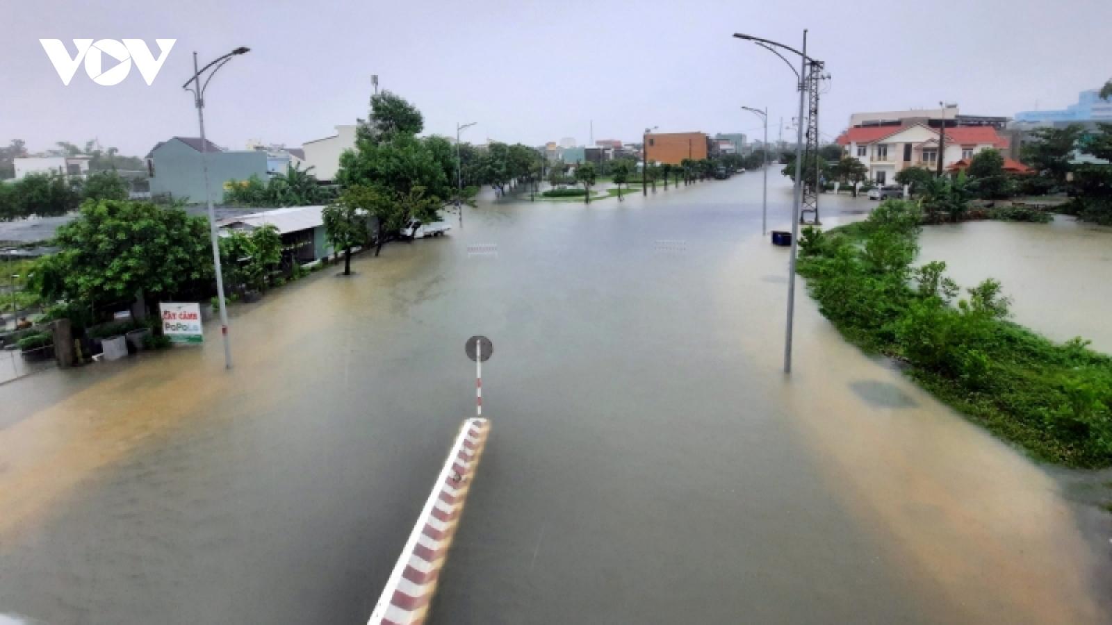 Ảnh hưởng của áp thấp nhiệt đới miền Trung tiếp tục có mưa to