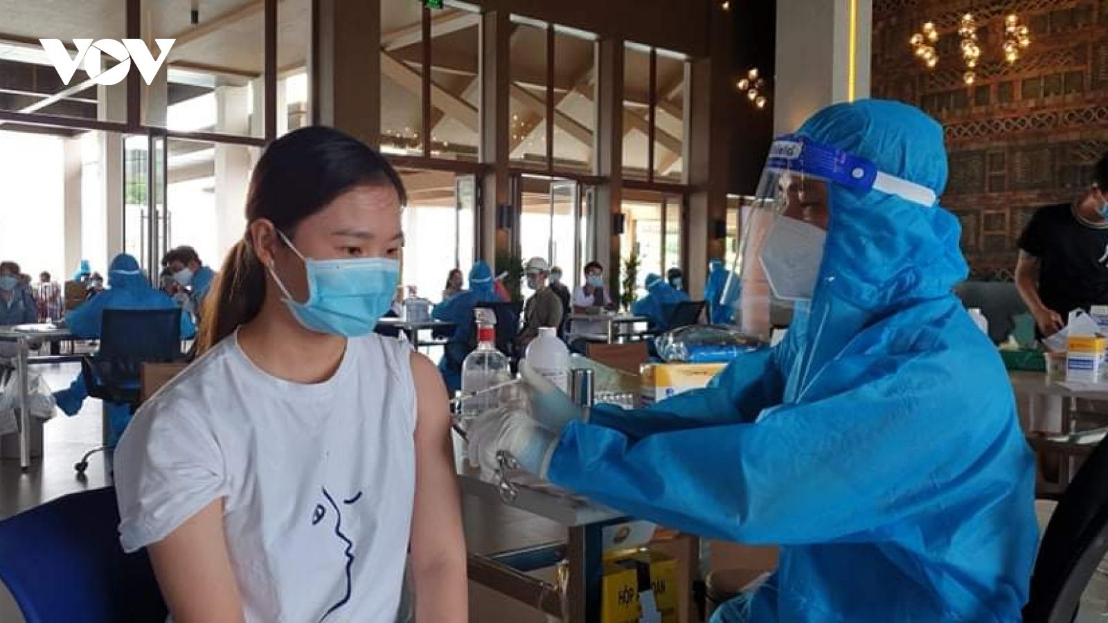 Các tỉnh ĐBSCL gấp rút triển khai tiêm vaccine Covid-19 cho người dân trên địa bàn
