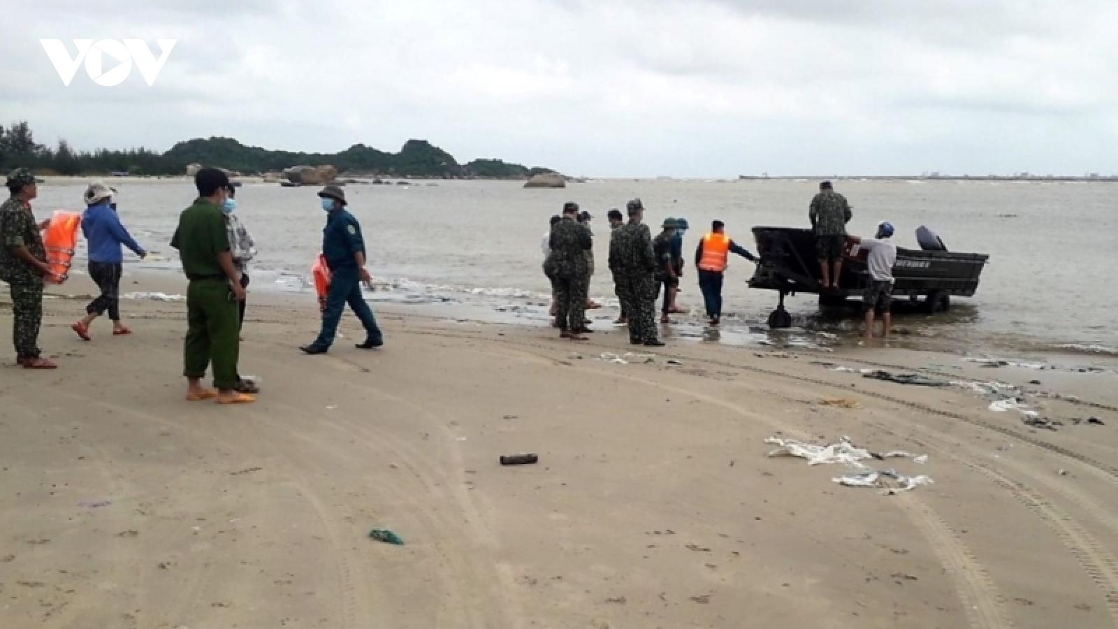 Tìm thấy thi thể 3 ngư dân Quảng Ngãi tại bờ biển Quảng Nam