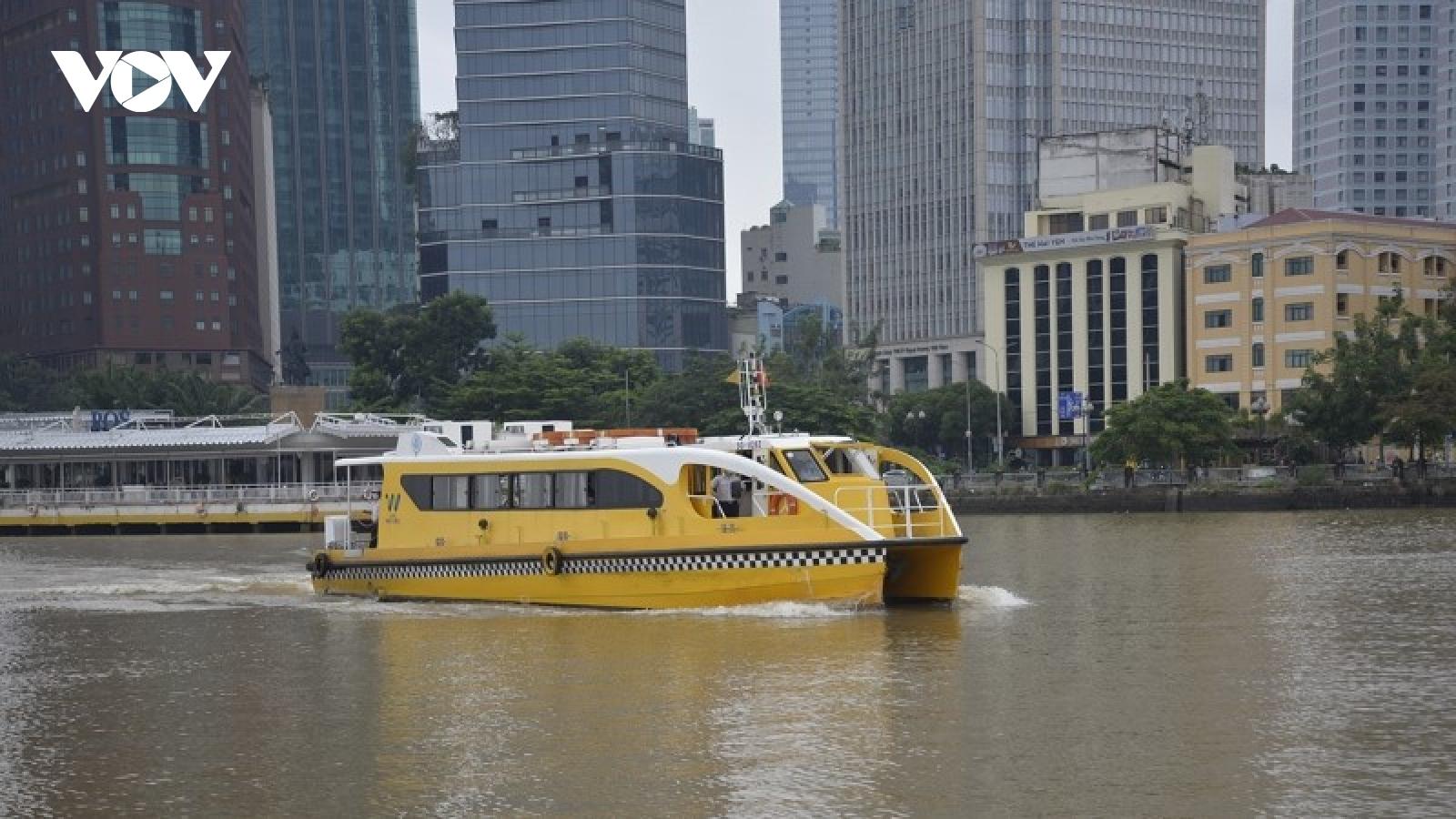 Buýt sông TP.HCM hoạt động trở lại