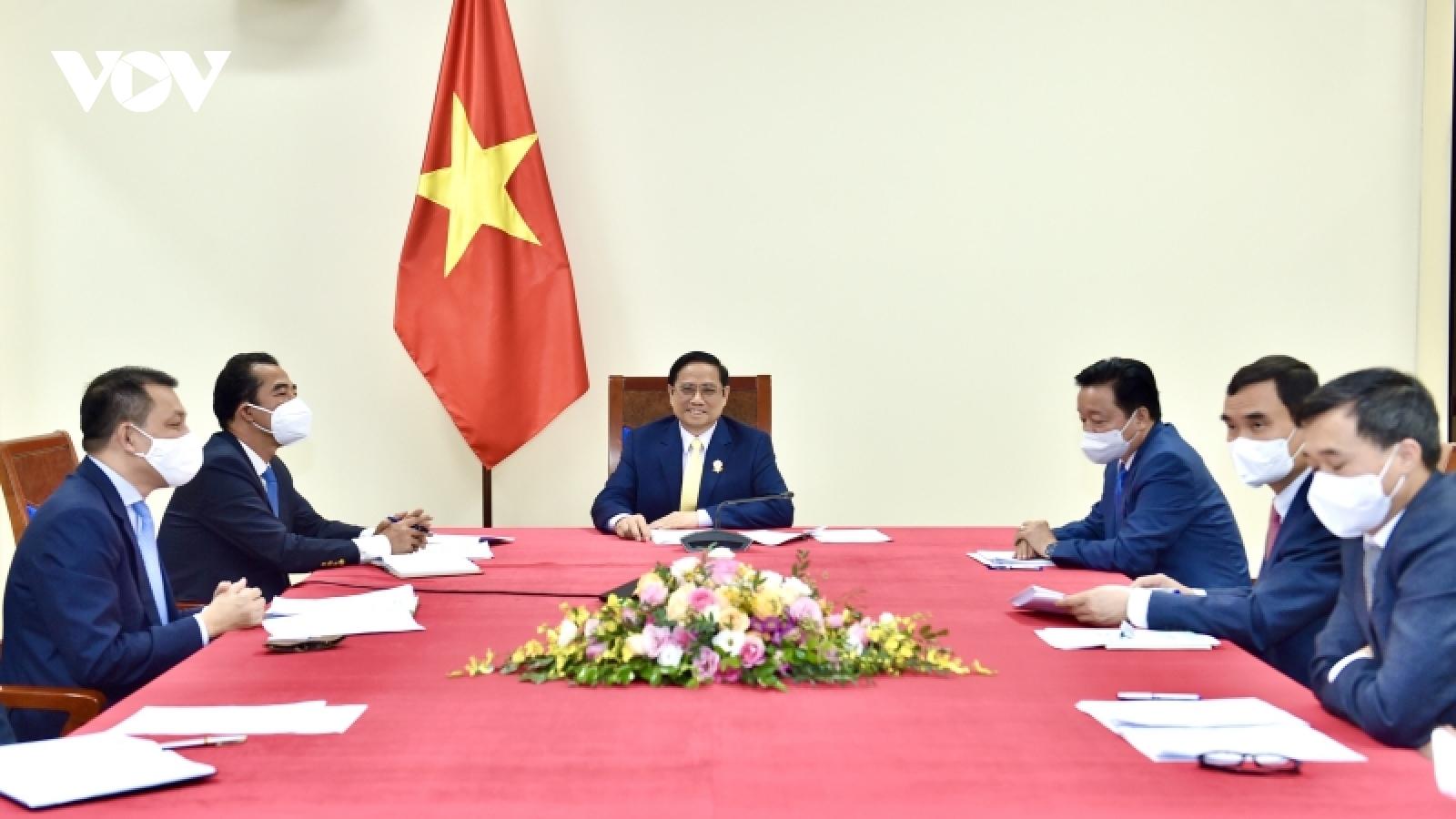 Thủ tướng Phạm Minh Chính điện đàm với Thủ tướng Liên hiệp Vương quốc Anh và BắcIreland